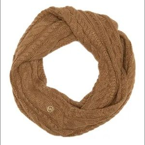 NWT Michael Kors French Cable Knit Infinity Scarf